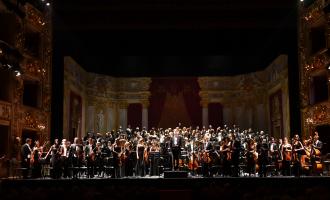 Filarmonica Arturo Toscanini  Coro del Teatro Regio di Parma